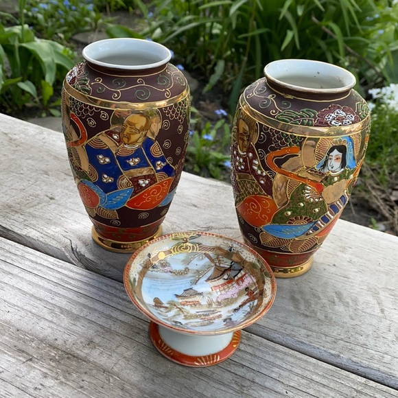 Vintage Japanese Theme vases and dish